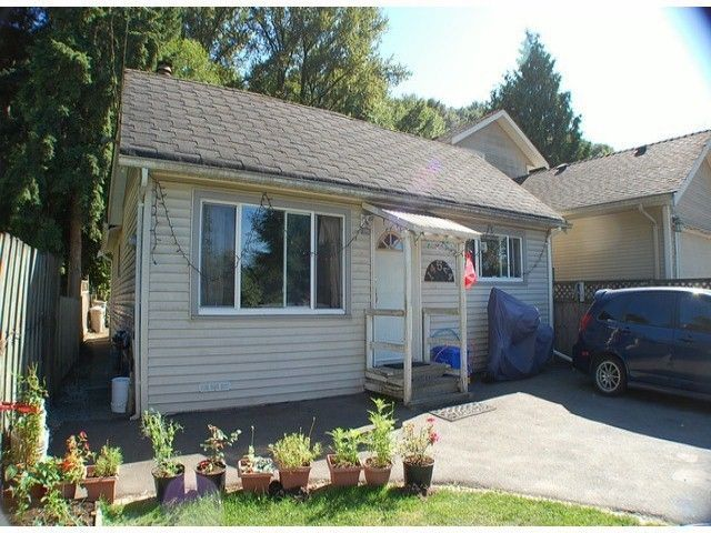 Main Photo: 14524 116A Avenue in Surrey: Bolivar Heights House for sale (North Surrey)  : MLS®# F1413444
