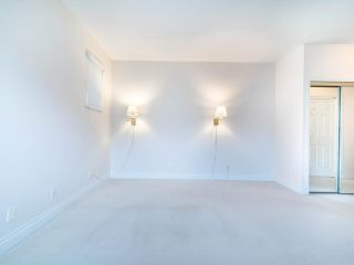 """Photo 25: 305 3766 W 7TH Avenue in Vancouver: Point Grey Condo for sale in """"THE CUMBERLAND"""" (Vancouver West)  : MLS®# R2583728"""
