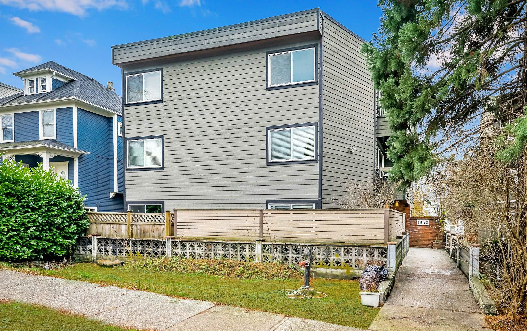 "Main Photo: 103 1540 E 4TH Avenue in Vancouver: Grandview Woodland Condo for sale in ""The Woodland"" (Vancouver East)  : MLS®# R2424218"