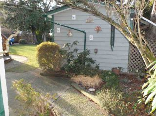 Photo 2: 370 3RD Avenue in Hope: Hope Center House for sale : MLS®# R2424030
