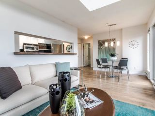 "Photo 3: 16 1388 W 6TH Avenue in Vancouver: Fairview VW Condo for sale in ""NOTTINGHAM"" (Vancouver West)  : MLS®# R2411492"