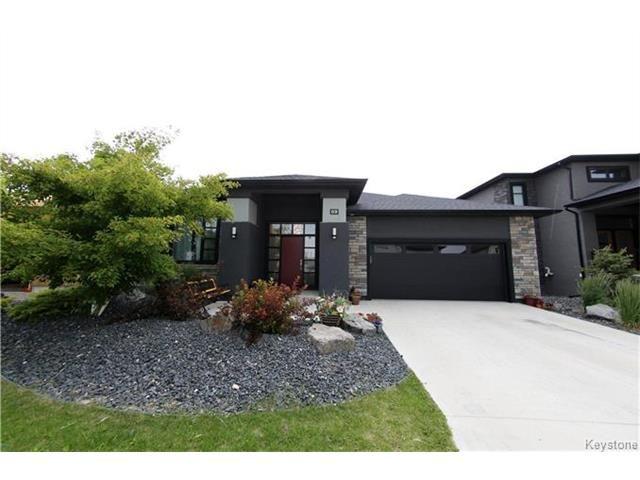 Main Photo: 69 Oak Lawn: Residential for sale (1R)  : MLS®# 1717372