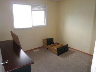 Photo 8: 11 TARAGLEN Road NE in CALGARY: Taradale Residential Detached Single Family for sale (Calgary)  : MLS®# C3531546