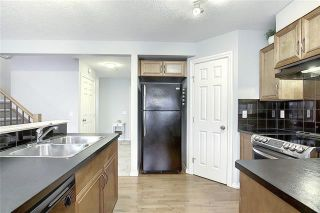 Photo 6: 33 ROYAL CREST View NW in Calgary: Royal Oak Semi Detached for sale : MLS®# C4299689