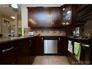 Photo 3: 201 3226 Jacklin Rd in VICTORIA: La Walfred Condo for sale (Langford)  : MLS®# 757997