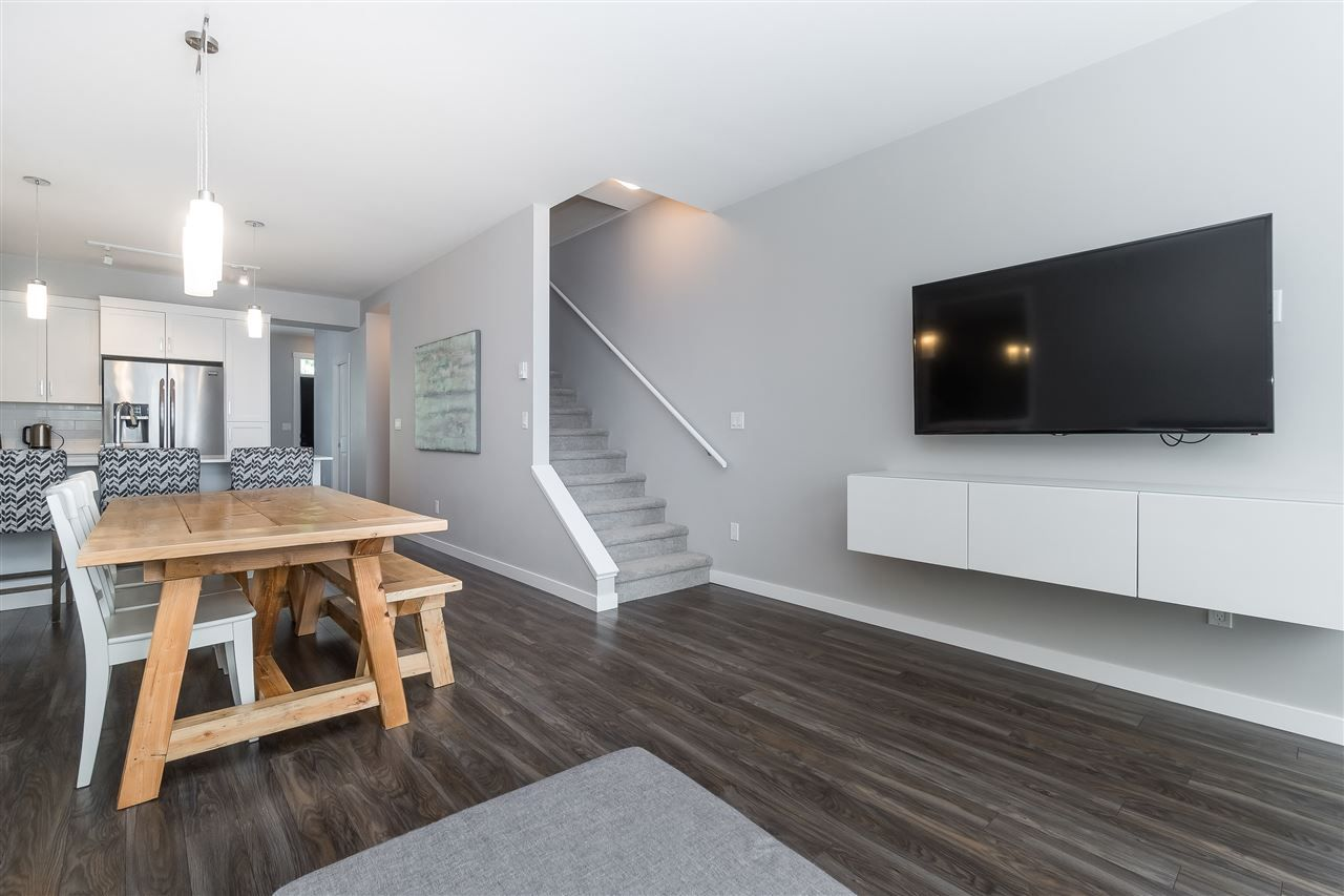"""Photo 11: Photos: 13 2850 MCCALLUM Road in Abbotsford: Central Abbotsford Townhouse for sale in """"Urban Hillside"""" : MLS®# R2478598"""