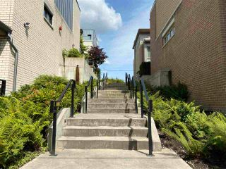 Photo 5: 5502 OAK Street in Vancouver: Cambie Townhouse for sale (Vancouver West)  : MLS®# R2591513