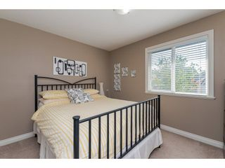 "Photo 12: 17938 70 Avenue in Surrey: Cloverdale BC House for sale in ""PROVINCTON"" (Cloverdale)  : MLS®# R2308113"