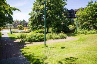 """Photo 5: 204 225 W 3RD Street in North Vancouver: Lower Lonsdale Condo for sale in """"Villa Valencia"""" : MLS®# R2459541"""