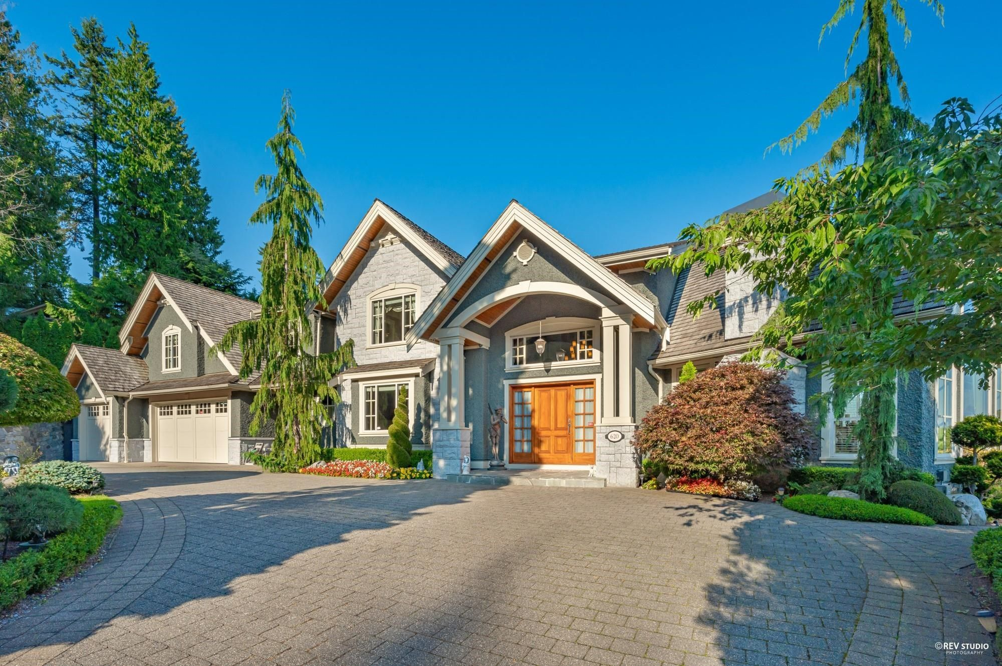 Main Photo: 620 ST. ANDREWS Road in West Vancouver: British Properties House for sale : MLS®# R2612643