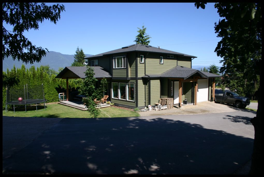 Main Photo: 2190 Southeast Auto Road in Salmon Arm: Hillcrest House for sale : MLS®# 10101264