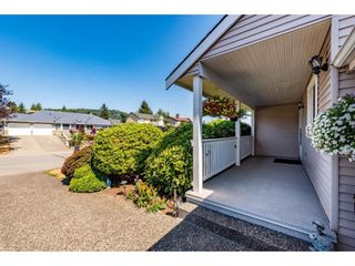 """Photo 5: 2280 MOUNTAIN Drive in Abbotsford: Abbotsford East House for sale in """"MOUNTAIN VILLAGE"""" : MLS®# R2611229"""