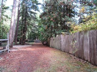 Photo 3: 3607 Masthead Cres in : GI Pender Island House for sale (Gulf Islands)  : MLS®# 887511