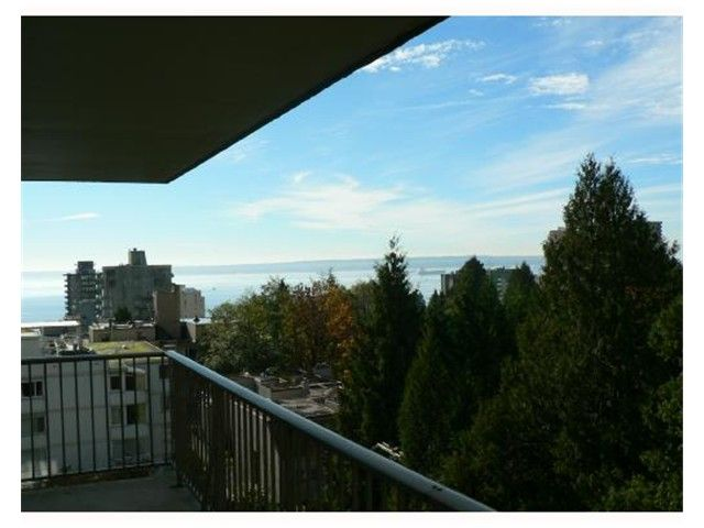 "Photo 9: Photos: 802 1745 ESQUIMALT Avenue in West Vancouver: Ambleside Condo for sale in ""Lion Crest"" : MLS®# V895582"