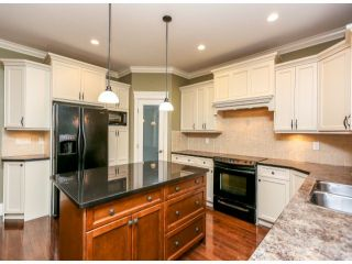 """Photo 4: 5888 163B Street in Surrey: Cloverdale BC House for sale in """"The Highlands"""" (Cloverdale)  : MLS®# F1321640"""