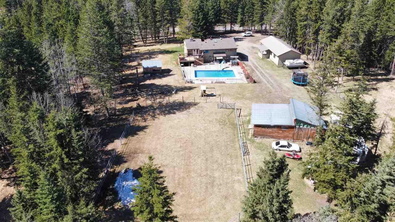 Main Photo: 88 BORLAND Drive: 150 Mile House House for sale (Williams Lake (Zone 27))  : MLS®# R2570509