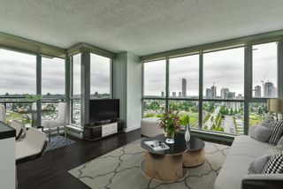 """Photo 7: 2202 10777 UNIVERSITY Drive in Surrey: Whalley Condo for sale in """"CITY POINT"""" (North Surrey)  : MLS®# R2564095"""