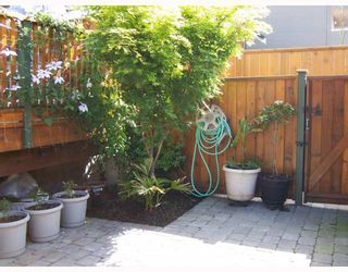 Photo 6: 223 E 17TH Street in North_Vancouver: Central Lonsdale 1/2 Duplex for sale (North Vancouver)  : MLS®# V779427
