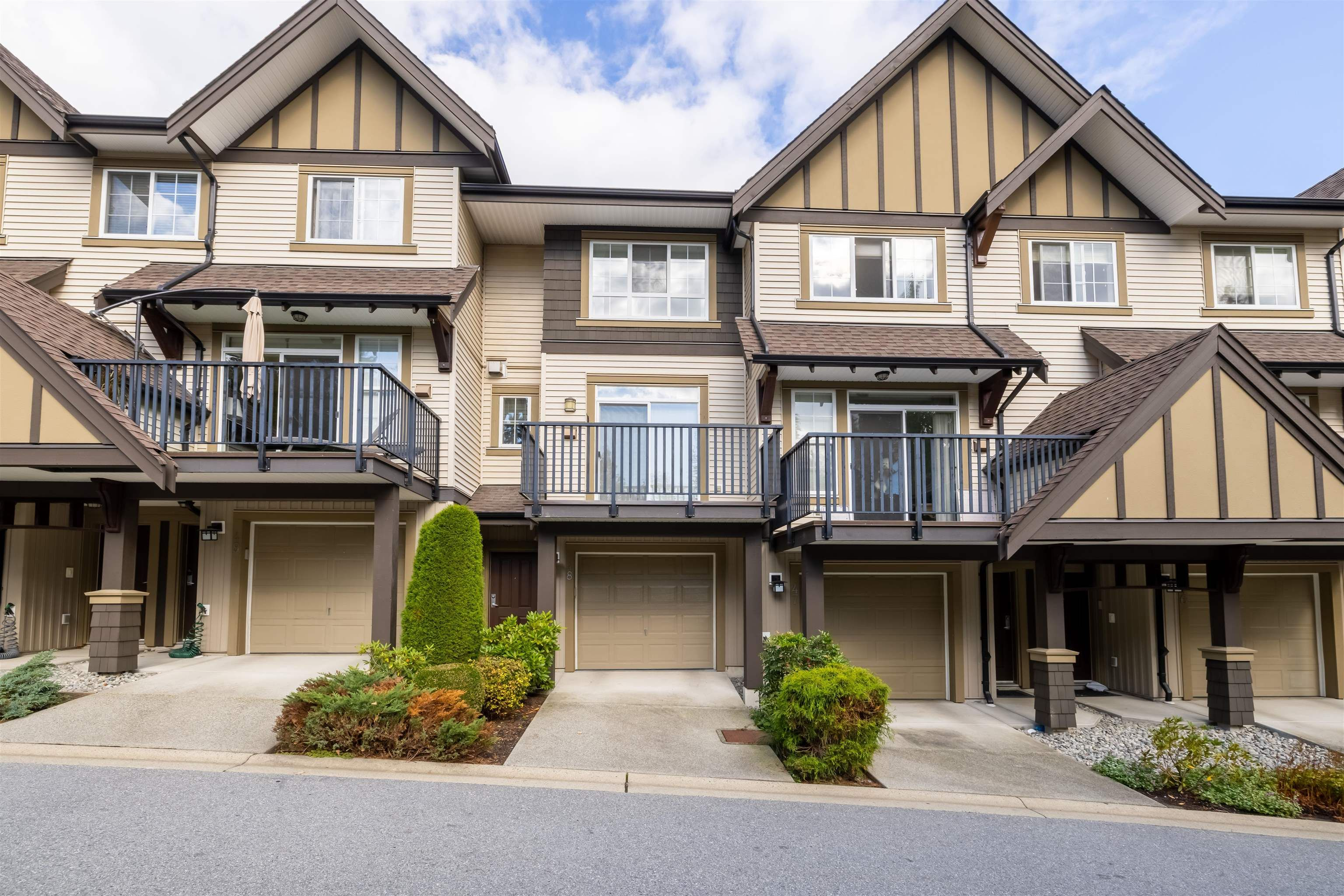 """Main Photo: 48 2200 PANORAMA Drive in Port Moody: Heritage Woods PM Townhouse for sale in """"Quest"""" : MLS®# R2624991"""