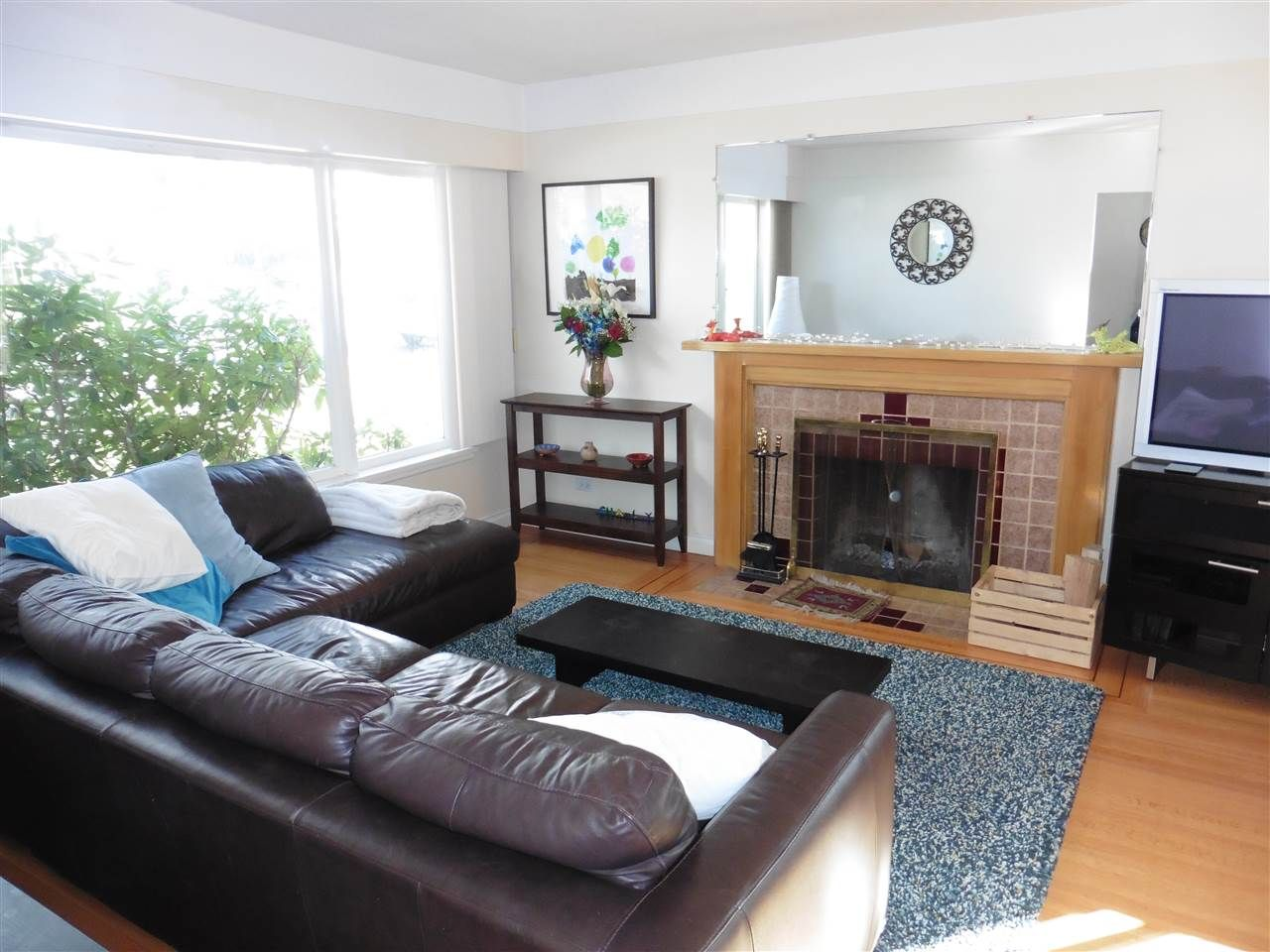 Photo 3: Photos: 1626 E 56TH Avenue in Vancouver: Fraserview VE House for sale (Vancouver East)  : MLS®# R2443664