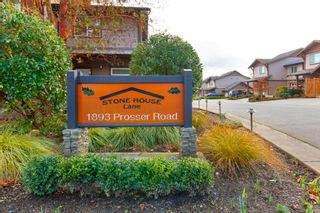 Photo 2: 11 1893 Prosser Rd in : CS Saanichton Row/Townhouse for sale (Central Saanich)  : MLS®# 780048