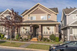 Photo 2: 5978 131A Street in Surrey: Panorama Ridge House for sale : MLS®# R2576432