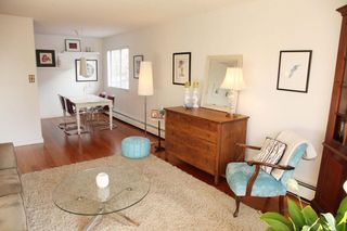 """Photo 2: 212 131 W 4TH Street in North Vancouver: Lower Lonsdale Condo for sale in """"Nottingham Place"""" : MLS®# R2239655"""