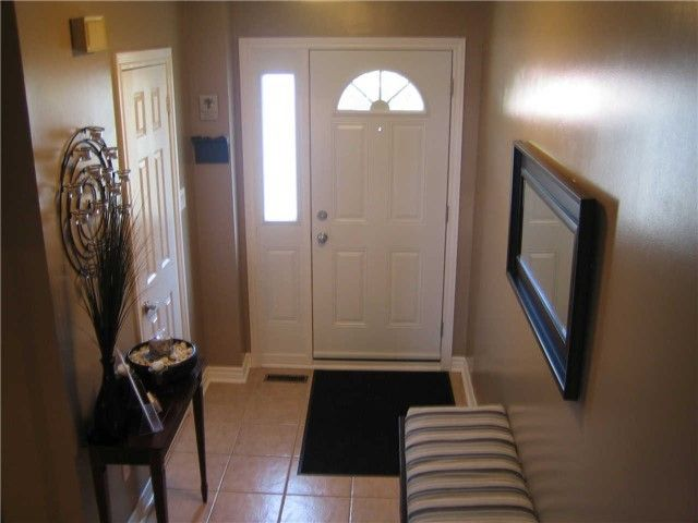 Main Photo: 75 6780 Formentera Avenue in Mississauga: Meadowvale Condo for sale : MLS®# W3284247