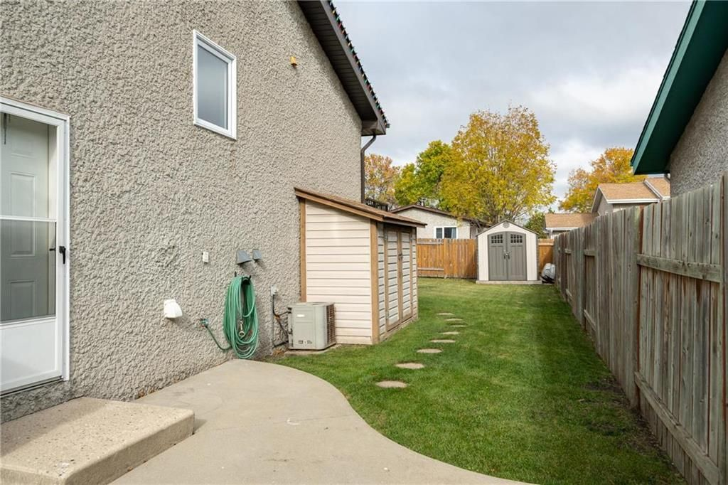 Photo 19: Photos: 206 Willowbend Crescent in Winnipeg: River Park South Residential for sale (2F)  : MLS®# 202024693