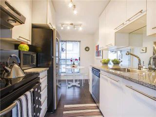 "Photo 6: 304 1166 W 6TH Avenue in Vancouver: Fairview VW Townhouse for sale in ""SEASCAPE VISTA"" (Vancouver West)  : MLS®# V1121820"