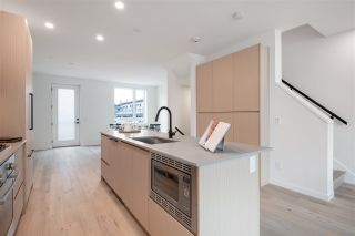 """Photo 15: TH27 528 E 2ND Street in North Vancouver: Lower Lonsdale Townhouse for sale in """"Founder Block South"""" : MLS®# R2543628"""