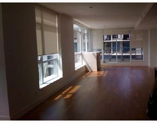 "Photo 2: 302 6080 IONA Drive in Vancouver: University VW Condo for sale in ""STIRLING HOUSE."" (Vancouver West)  : MLS®# V723888"