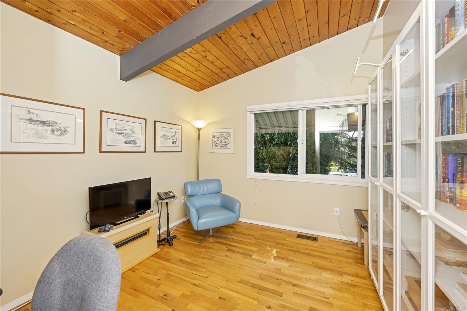 Photo 15: Photos: 1690 Blair Ave in : SE Lambrick Park House for sale (Saanich East)  : MLS®# 872166