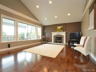 Photo 2: 2121 Quails Run in VICTORIA: La Bear Mountain House for sale (Langford)  : MLS®# 753114