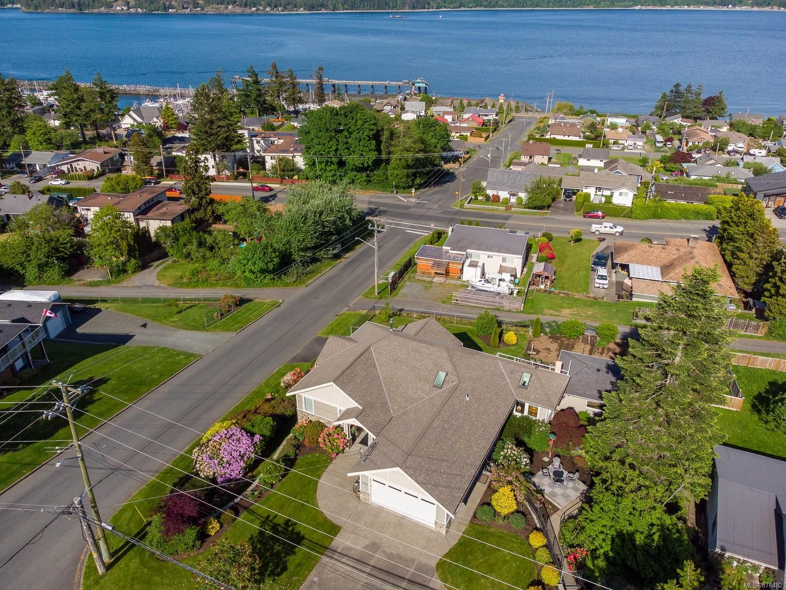 Main Photo: 599 Birch St in : CR Campbell River Central House for sale (Campbell River)  : MLS®# 876482