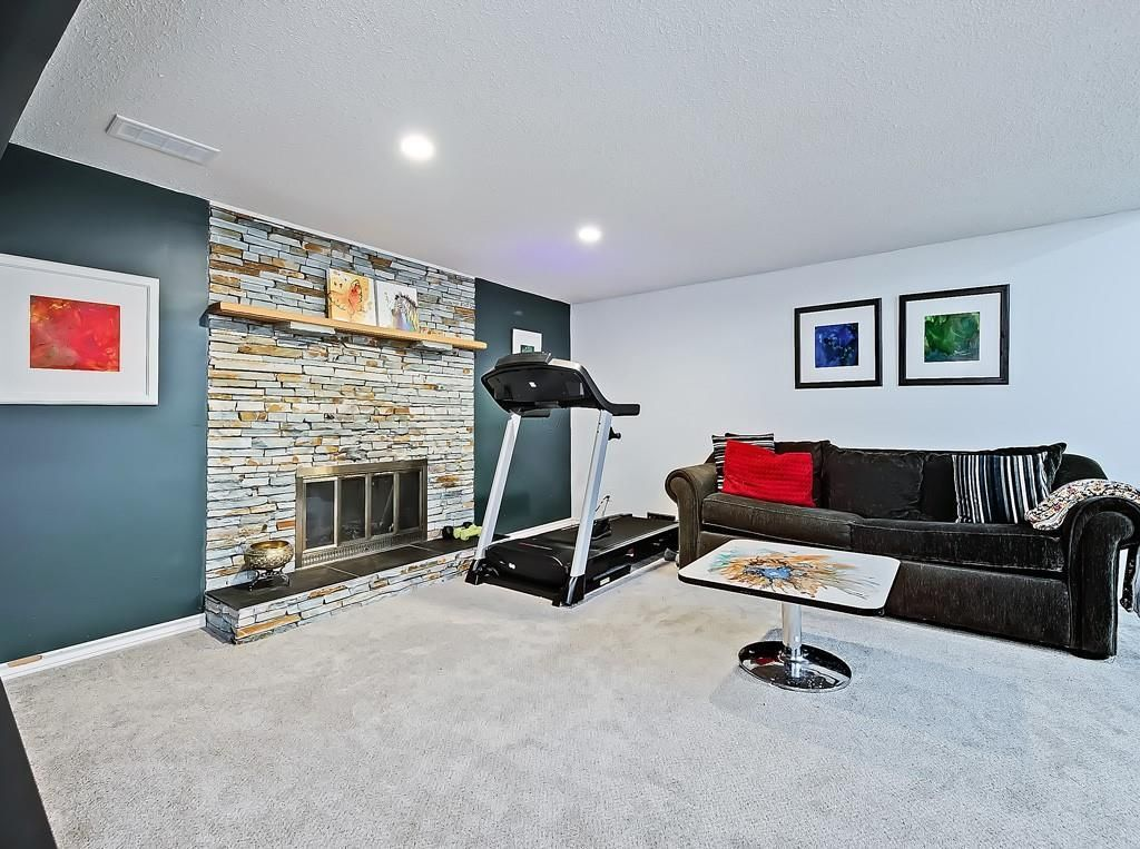 Photo 21: Photos: 7607 68 Avenue NW in Calgary: Silver Springs Detached for sale : MLS®# A1024824