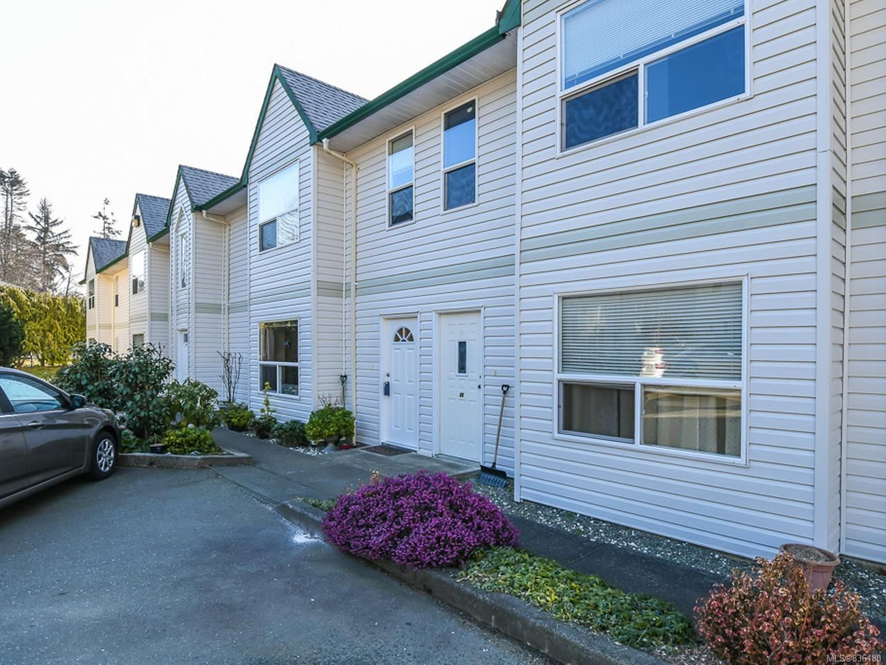 Main Photo: 21 1535 Dingwall Rd in COURTENAY: CV Courtenay East Row/Townhouse for sale (Comox Valley)  : MLS®# 836180