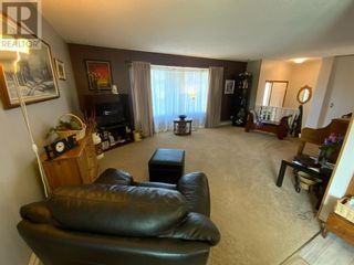 Photo 5: 408 Royal  Crescent N in Trochu: House for sale : MLS®# A1139955
