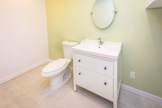 Photo 6: 902 BRITTON Drive in Port Moody: North Shore Pt Moody Townhouse for sale : MLS®# R2443680