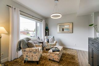 """Photo 3: 2858 269 Street in Langley: Aldergrove Langley House for sale in """"BETTY GILBERT AREA"""" : MLS®# R2457000"""