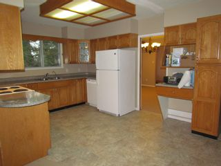 Photo 2: 28555 0 Ave in Abbotsford: Poplar House for rent