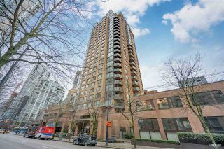 """Photo 1: 1508 1189 HOWE Street in Vancouver: Downtown VW Condo for sale in """"GENESIS"""" (Vancouver West)  : MLS®# R2528106"""