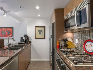"""Photo 9: 375 2080 W BROADWAY in Vancouver: Kitsilano Condo for sale in """"PINNACLE LIVING ON BROADWAY"""" (Vancouver West)  : MLS®# R2211453"""