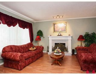 """Photo 5: 8139 151ST Street in Surrey: Bear Creek Green Timbers House for sale in """"MORNINGSIDE"""" : MLS®# F2812331"""