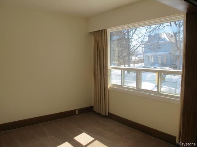 Photo 6: Photos:  in WINNIPEG: North End Residential for sale (North West Winnipeg)  : MLS®# 1404958