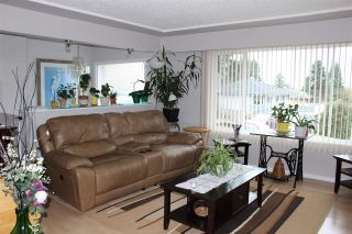 Photo 3: 2121 VENICE Avenue in Coquitlam: Central Coquitlam House for sale : MLS®# R2538303