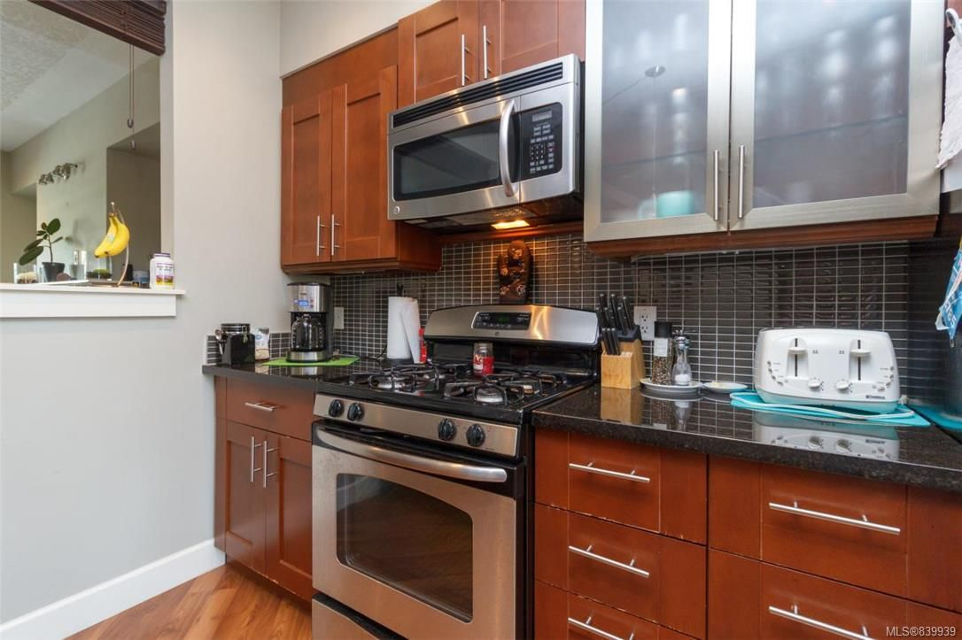 Photo 6: Photos: 205 785 Station Ave in Langford: La Langford Proper Row/Townhouse for sale : MLS®# 839939