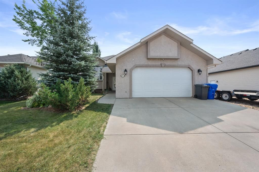 Main Photo: 44 Lake Ridge: Olds Detached for sale : MLS®# A1135255