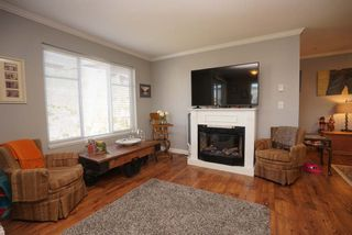 """Photo 5: 312 5488 198 Street in Langley: Langley City Condo for sale in """"Brooklyn Wynd"""" : MLS®# R2501188"""