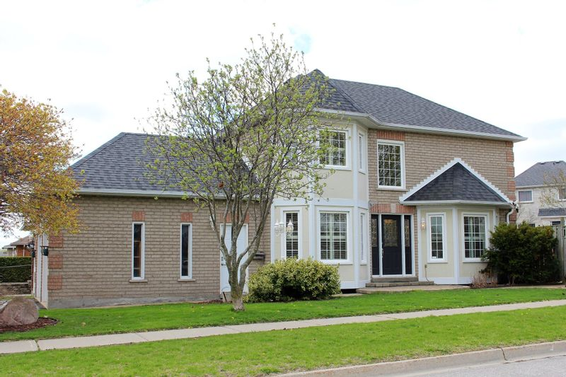 FEATURED LISTING: 1033 Fraser Court Cobourg